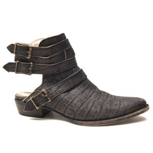 FREEBIRD by STEVEN 'Lithium' Mules / Boots 9